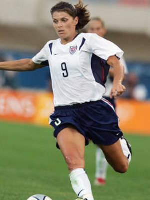 Mia Hamm, Sports, Motivational Women NSB, Top 10 Women, athletes, sports, olympians, motivational, University Athletes