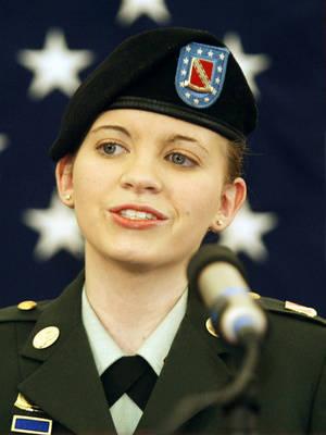 Jessica Lynch female military