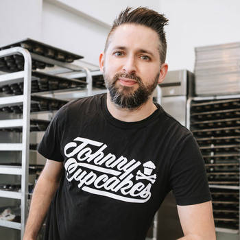 Johnny Cupcakes, Advertising, Branding branding, entrepreneur, startup, young entrepreneur, ideas, creating a following, social media, instagram, shirt, kick starter, customer experience