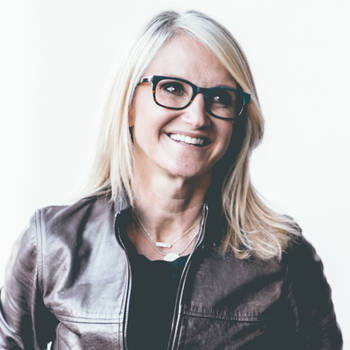 Mel Robbins, Association, Female, Personal Growth, Women, Leadership Speaker, Conference, Conference Keynote, NSB, Body Language, Virtual Presentation NSB, women in business, Technology & Trends, Crisis Communication, virtual presentation