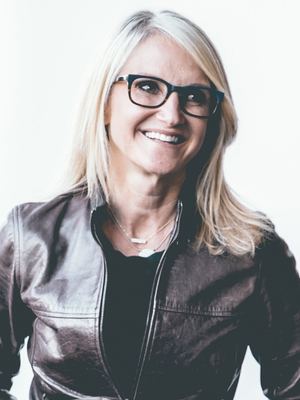 Mel Robbins, Association, Female, Personal Growth, Women, Leadership Speaker, Conference, Conference Keynote, NSB, Body Language