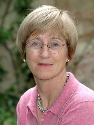 Frances Cairncross