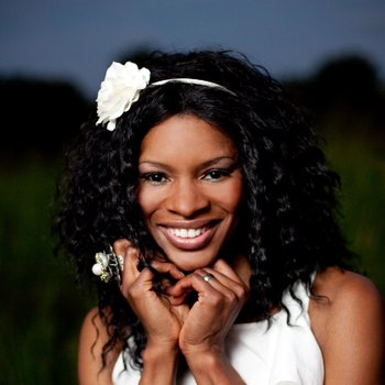 Nicole C Mullen, Entertainment